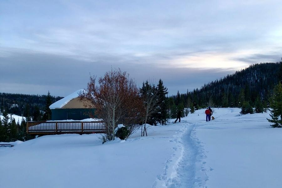 A path through the snow at Pearl Lake campground