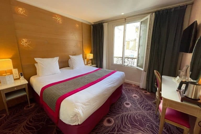 Hotel Muguet, an affordable hotel with some rooms with Eiffel Tower views