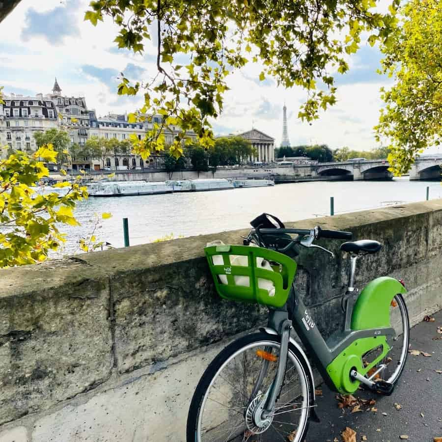 A Velib rental bike at the River Seine in Paris