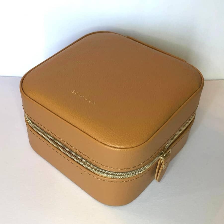 Samara jewelry case for travel