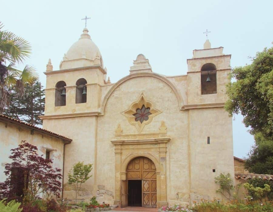 The front facade of the lovely Carmel Mission, worth seeing on a girls trip to Carmel